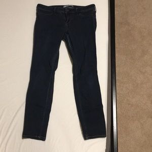 Low rise hollister size 7 short jeggings